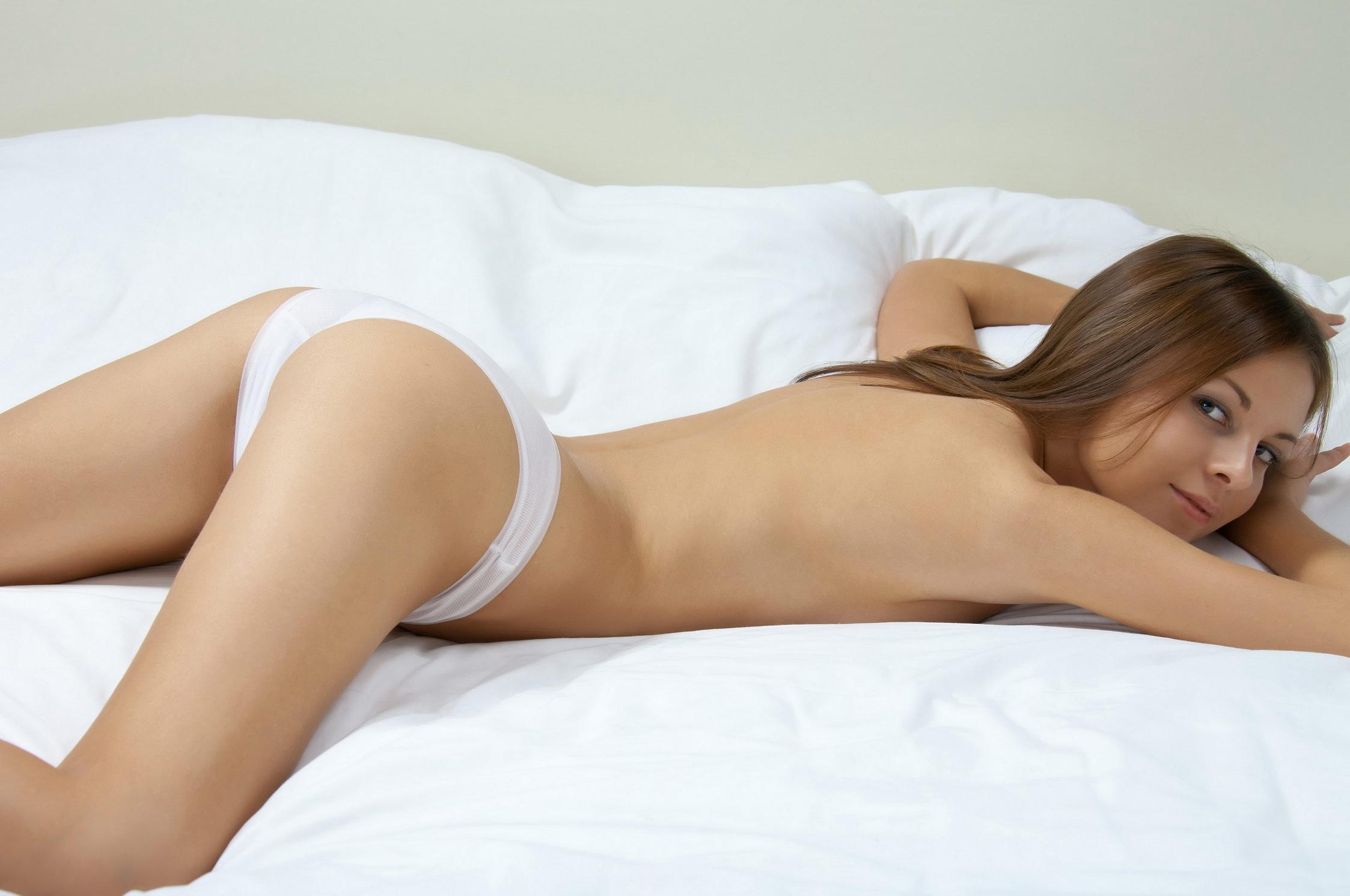 Секс своего фото девушки трусах эротика порно групповуха